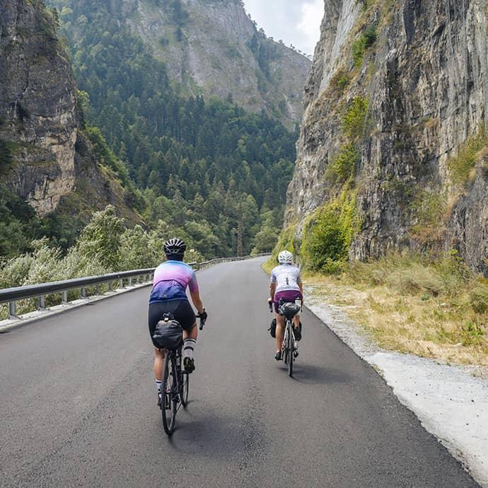 cafedu/cmsbuilder/men-cycling-clothing-block6C-16-09-2021_2.jpg