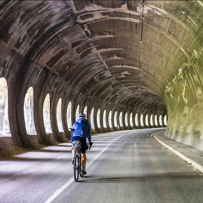 cafedu/cmsbuilder/women-cycling-clothing-block6B-16-09-2021.jpg